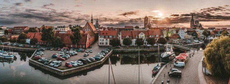 Meklenburg - Zapadna Pomeranija: Pokrajna zamkova i aleja
